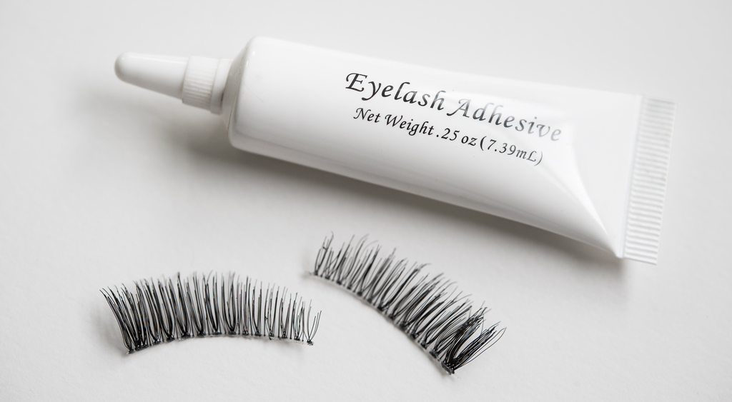 Lashes And Lash Glue